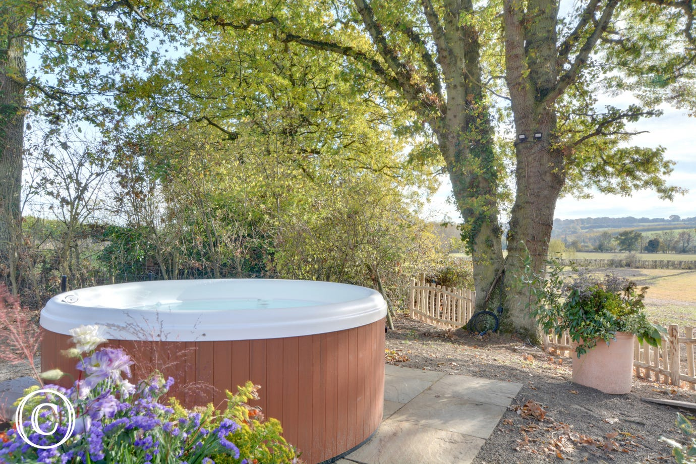 SX938 - Hot Tub - View 2