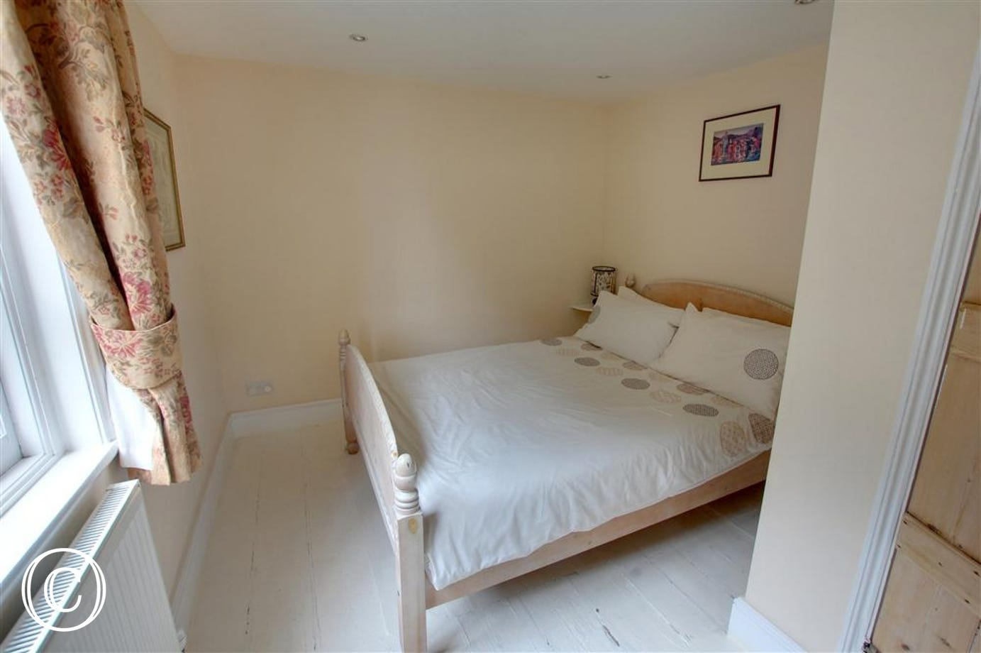Spacious, attractive double bedroom