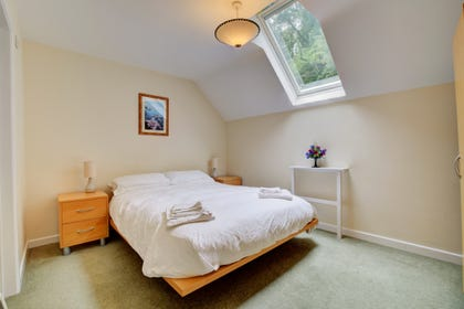 Bright double bedroom with ensuite