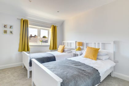 Bright twin room with ensuite