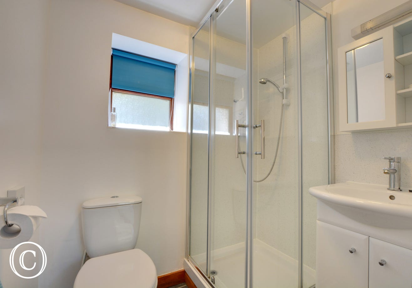 MD425 - Shower Room
